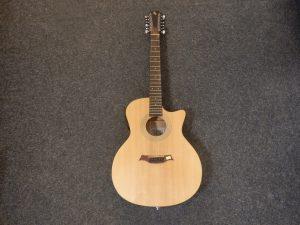 12-strunná kytara Baton Rouge PZ 7900 kč